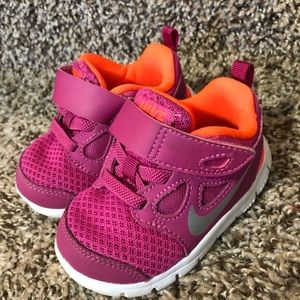 Baby girl Nike shoes 4